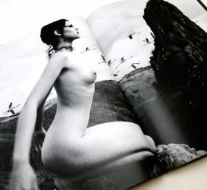 エマ ヌード イン アフリカ 神から盗んだ熱い裸 | 中村正也 写真集