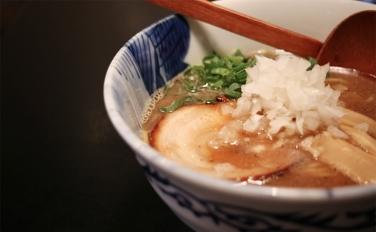 【青森煮干し中華そば JIN (ジン)】濃厚の中に素材が生きている極煮干しラーメン