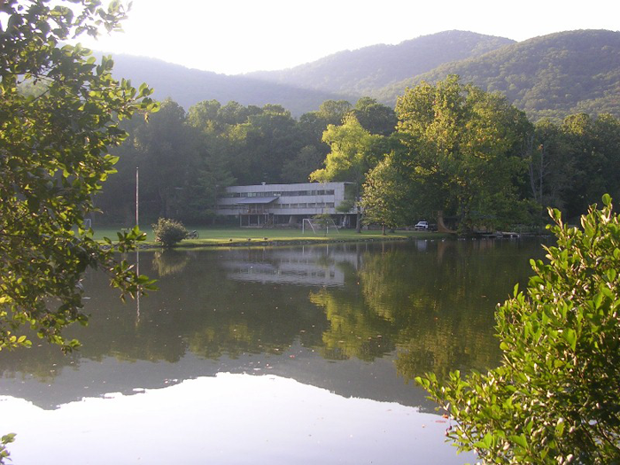 Black Mountain College: 多くの巨匠を輩出したアメリカの革新的な美術学校