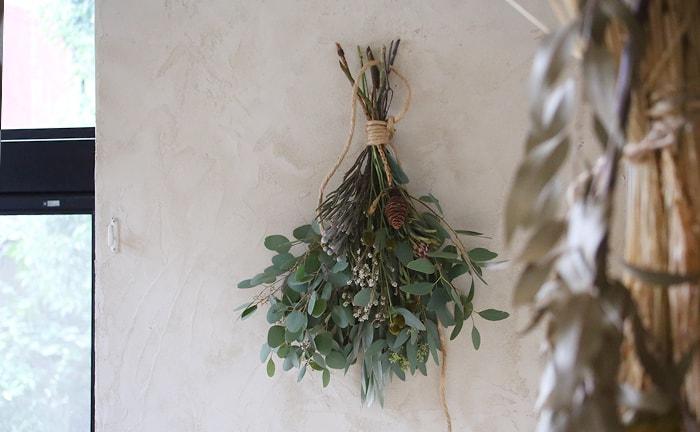 スワッグと暮らす、季節と暮らす。植物のある暮らしを提案するフラワースタイリスト「ふたつの月」