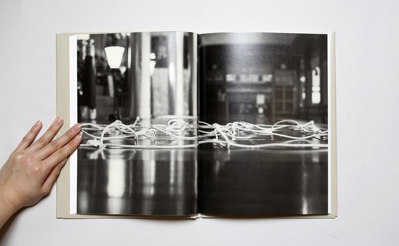 String and Coke ヒモとコーラ:太宰府の高松次郎 | 鷹野隆大