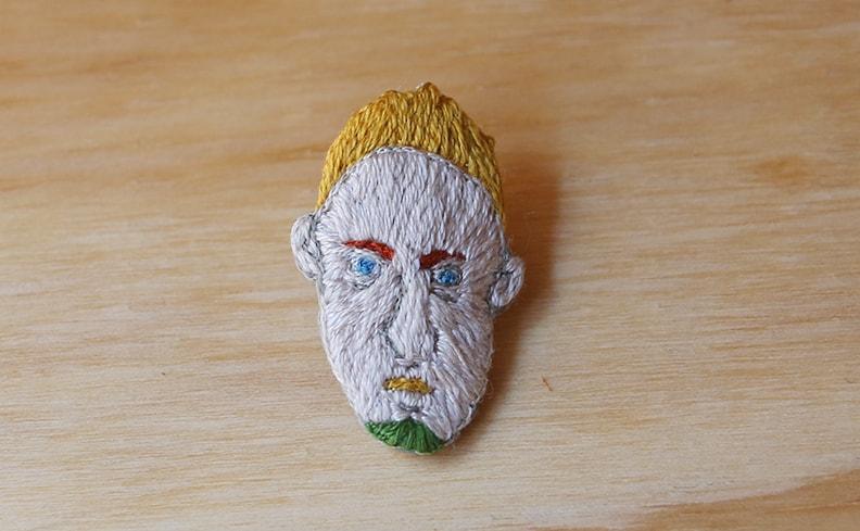刺繍ピンバッジ Mr.Yellow   atelier grasshopper