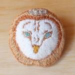 刺繍ブローチ メンフクロウ | atelier grasshopper
