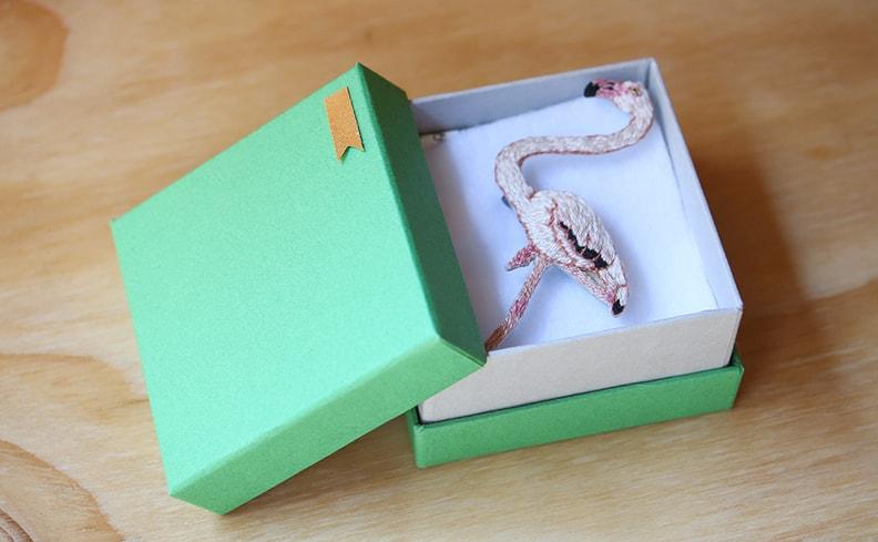 刺繍ブローチ フラミンゴ | atelier grasshopper
