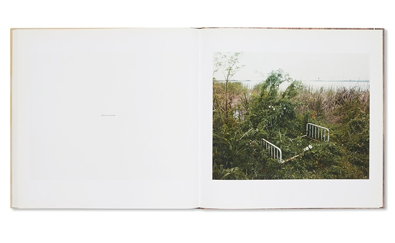 Sleeping by The Mississippi   Alec Soth アレック・ソス