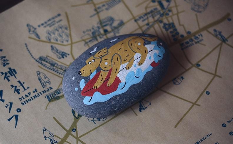ペーパーウェイト 犬 サーファー | オカタオカ