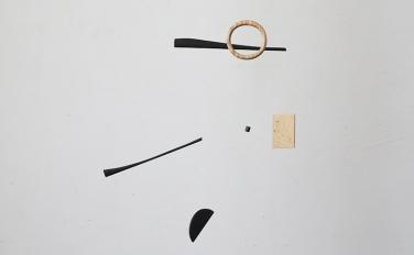 【4月の展示】モビールの揺らめきが描く、瞬間のかたち。辻有希個展「Moment Form」